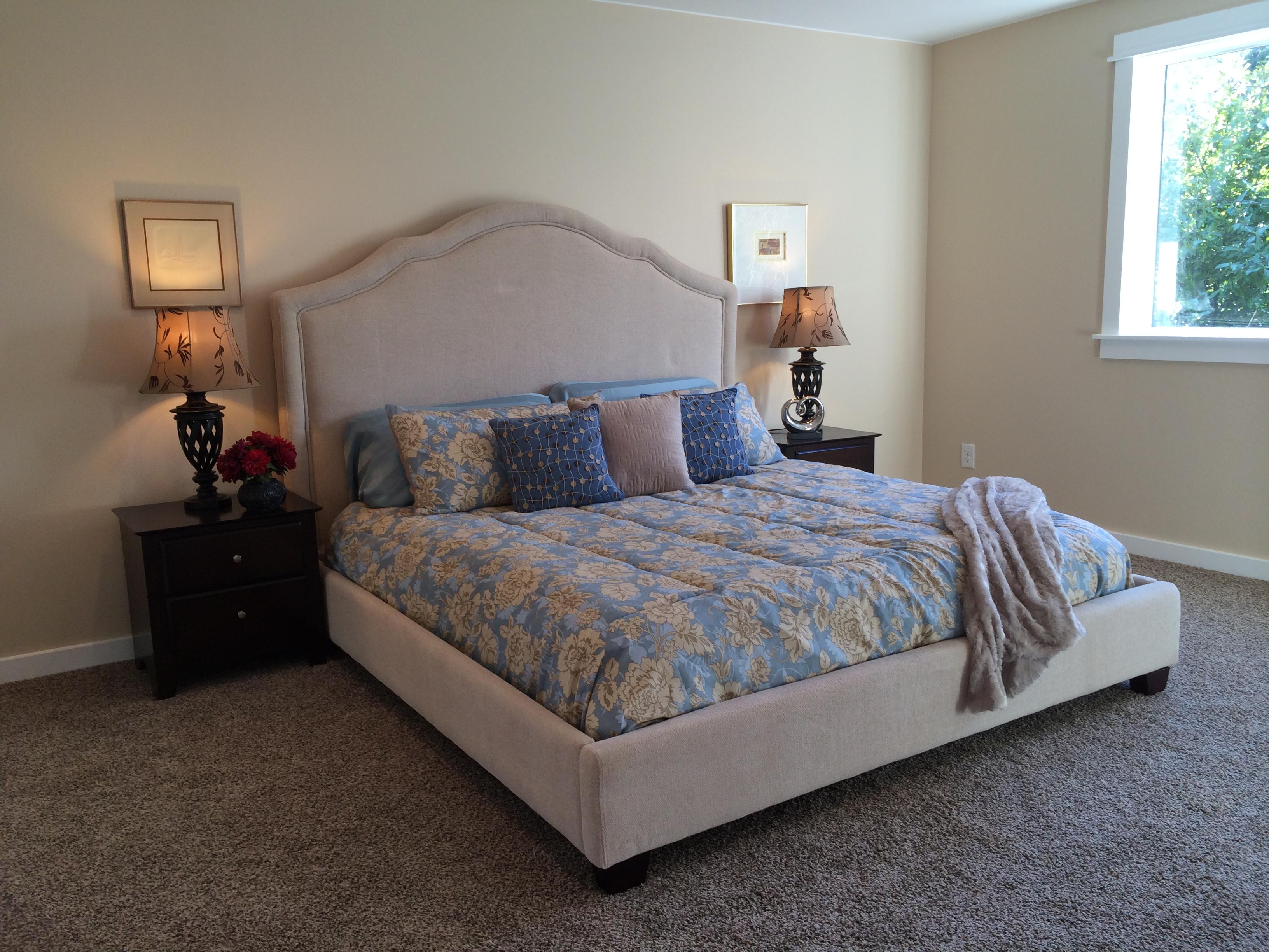 Emerald Home Furnishings Lilian Bed